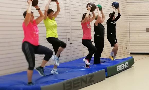 Functional Fitness Zirkel mit Bällen