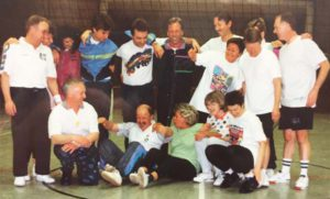 1995 Tennisalternative im Winter Gymnastik und Volleyballgruppe 01